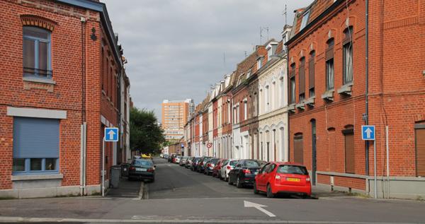 La rue Edouard Anseele vue du boulevard de Colmar Photo PhW