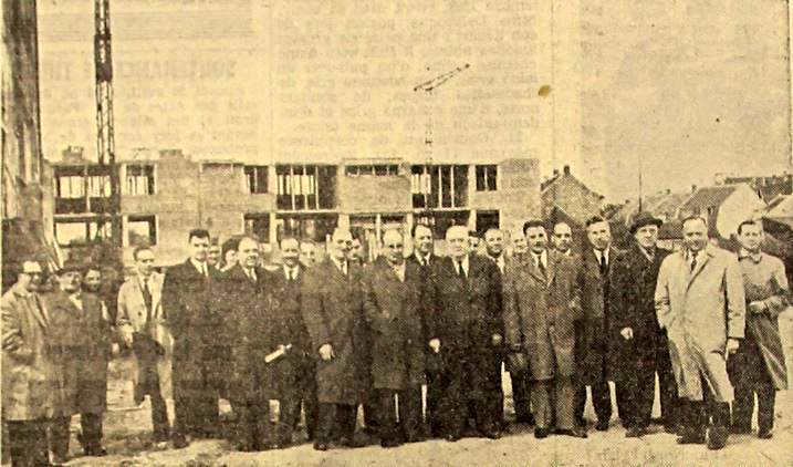 Visite des officiels au Hutin mai 1960 NE