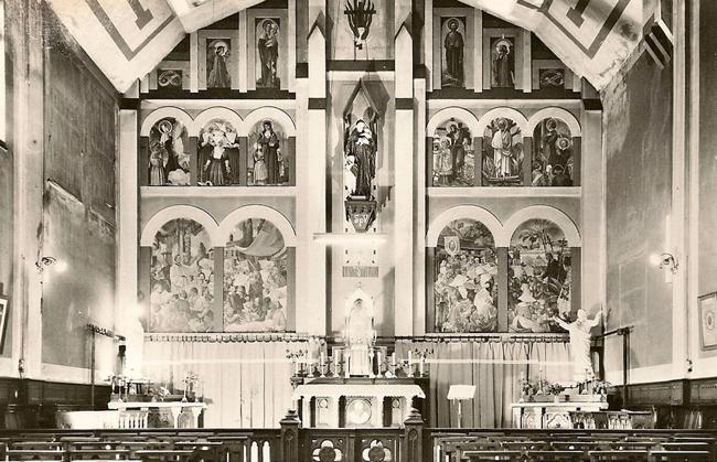 L'intérieur de l'église Saint Vincent de Paul Coll Particulière