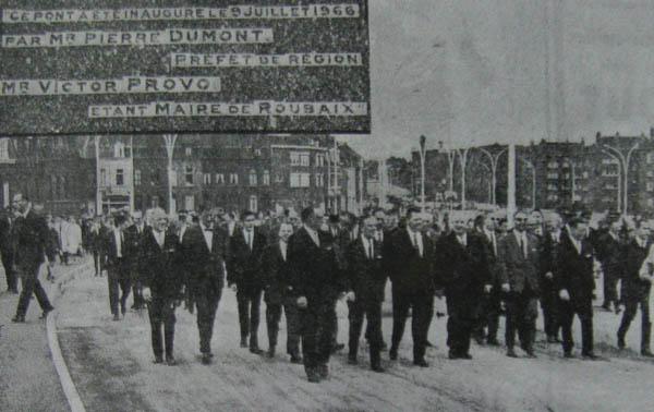 Le cortège officiel – photo La Voix du Nord
