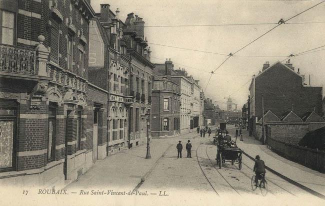 La rue St Vincent vue depuis la rue de Cassel. Au fond, les bâtiments à abattre