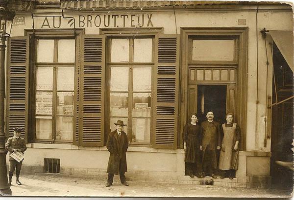 Façade du Broutteux ( côté place de la Liberté ) vers 1910