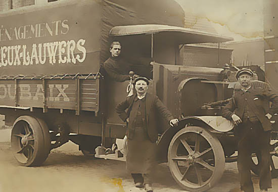 Edmond Voreux et ses collaborateurs ( Document Ets Voreux Lauwers )